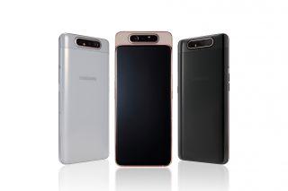 Samsung A80 jednoducho zdvíha a otáča vysoko výkonný fotoaparát.