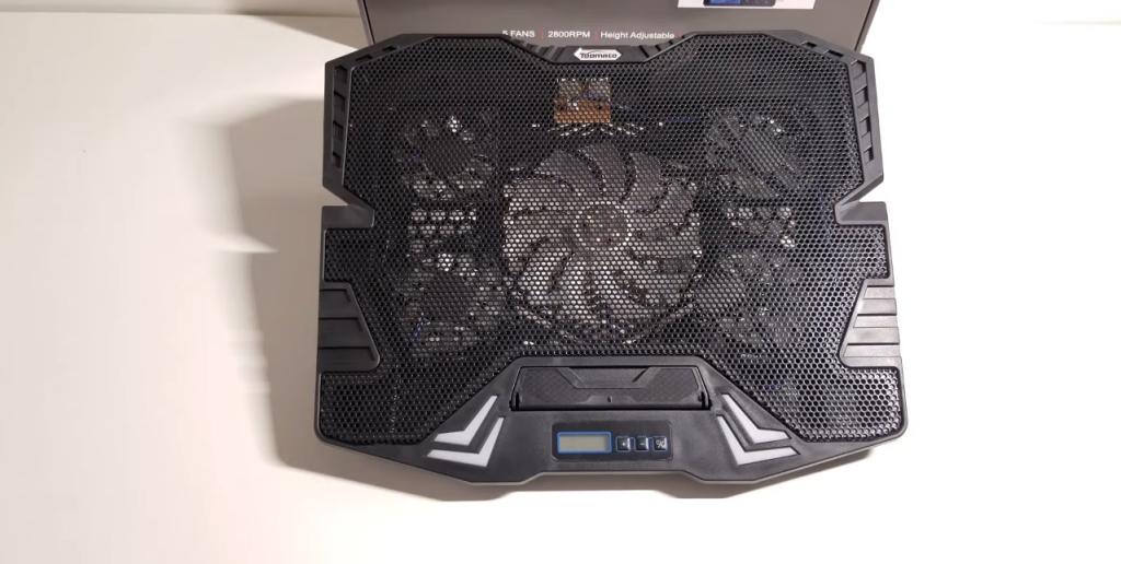 TopMate C7 Gaming Laptop Cooling Pad offen ausgeschaltet