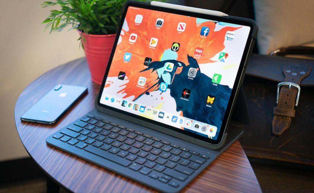 "Apple  Smart Keyboard Folio iPad Pro-Tastatur in voller Größe ""aria-describeby ="" gallery-14-360086"
