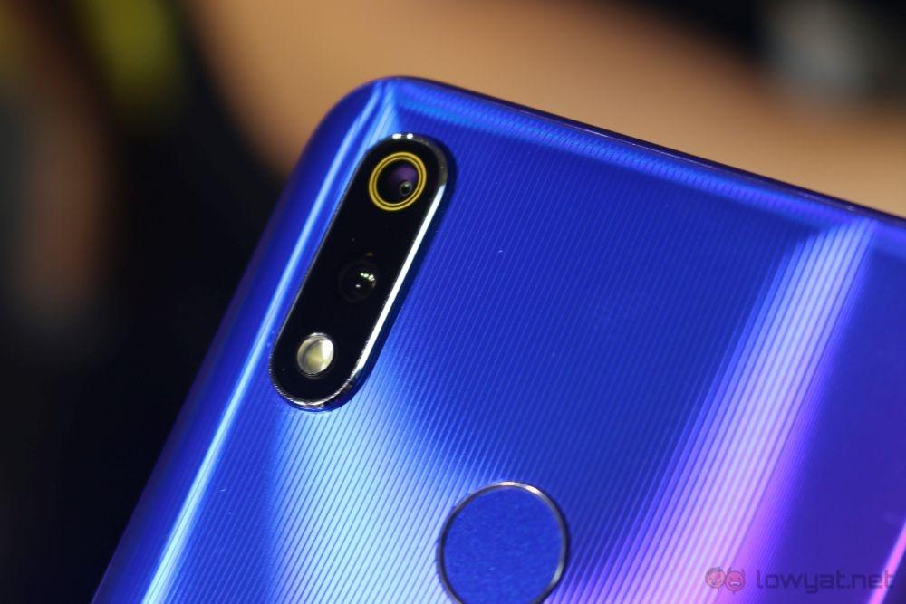 Realme 3 Pro: En kraftig, men likevel rimelig smarttelefon med mellomtoner 2