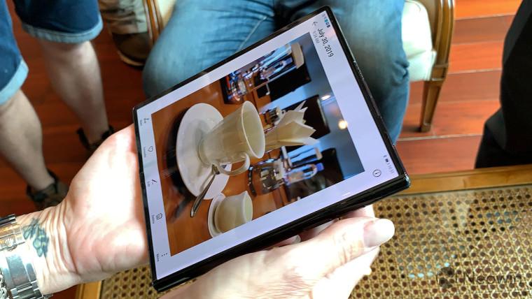 Mit dem Mate X, einer Kamera, die mit Kirin 990 und P30 vergleichbar ist, können Sie Huawei zum Anfassen nutzen 2