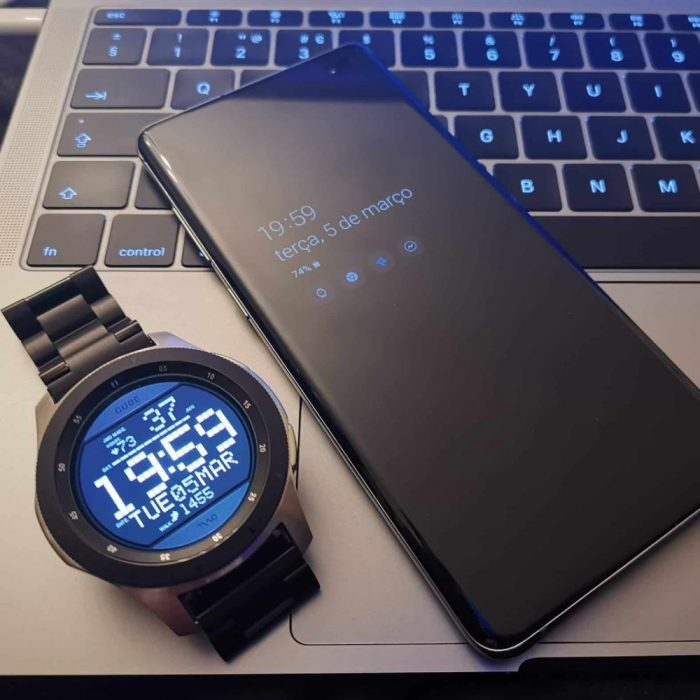 """Galaxy Watch, S10 """"Breite ="""" 700 """"Höhe ="""" 700"""