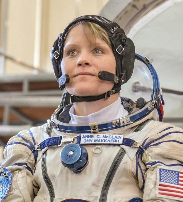 Der Astronaut wird beschuldigt, das erste Verbrechen im All begangen zu haben 1