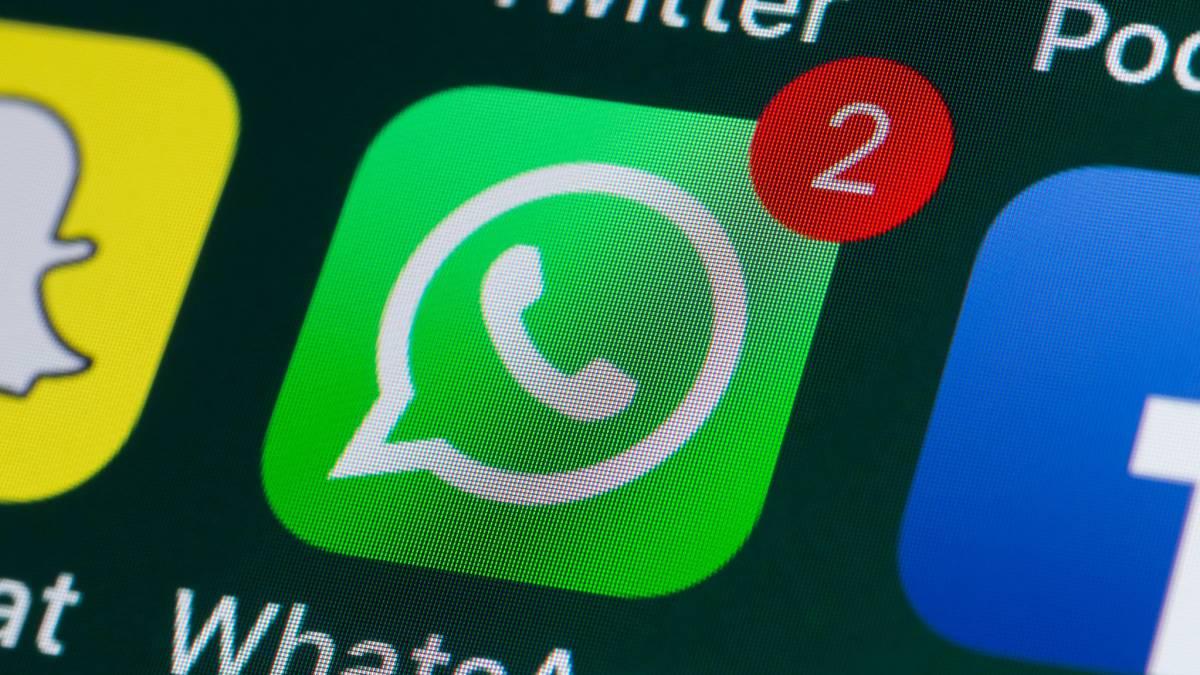 Die maximale Anzahl von Fotos und Videos, die Sie von WhatsApp gleichzeitig senden können