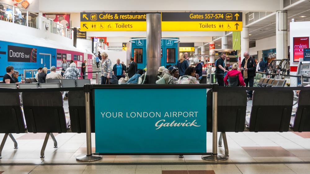 Ein fehlerhaftes Kabel entfernt die Abflugtafeln des Flughafens Gatwick
