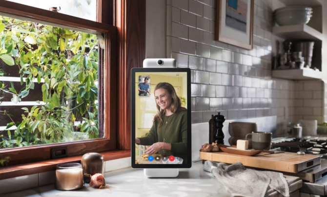 Facebook Sie möchten mit Netflix ein Fernsehgerät und eine Webcam verkaufen, die Sie nicht kaufen sollten, wenn Sie sich Sorgen um Ihre Privatsphäre machen 2