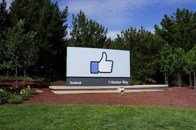 FacebookMit der TV-Video-Chat-Kamera von können auch wichtige Streaming-Dienste bereitgestellt werden 1