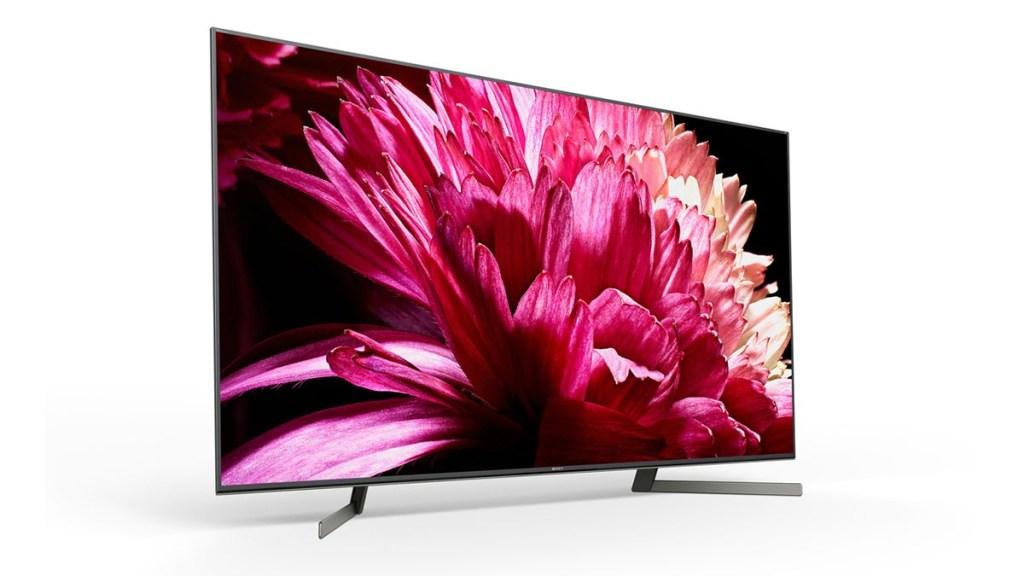 Der XBR 4K X955G verfügt über die Freisprechfunktion, die die Interaktion mit dem Fernseher ohne Fernbedienung ermöglicht.