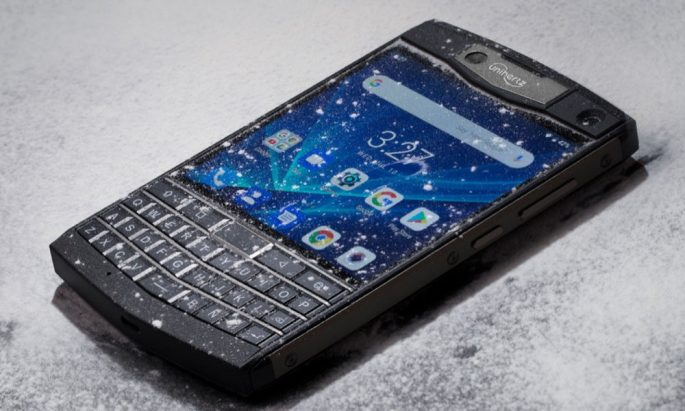 Unihertz Titan wird mit physischer Tastatur und Touchscreen mit robuster Abdeckung geliefert