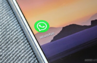Eine WhatsApp-APP-Ikonennahaufnahme auf einem Smartphone.