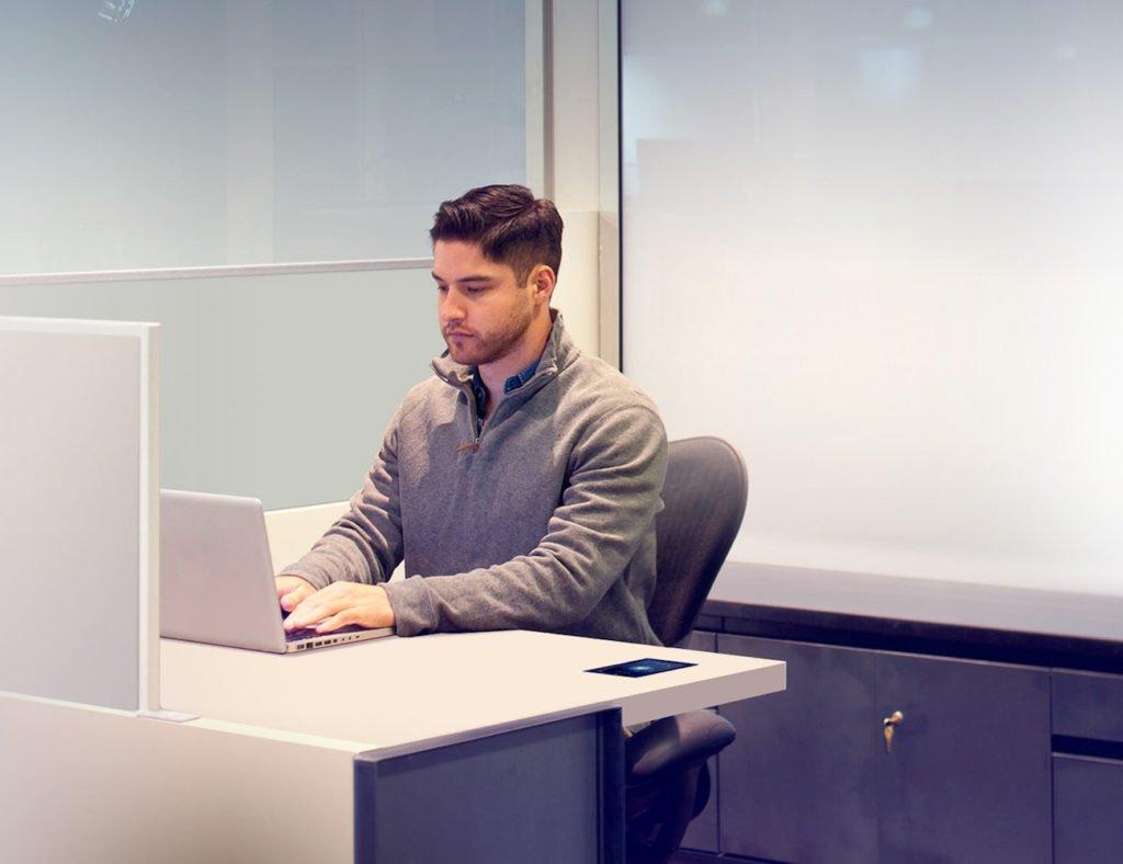 Kinetic Productivity Desk umrühren