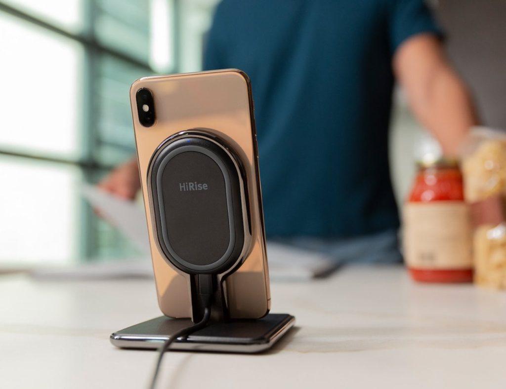 Zwölf South HiRise Wireless 3-Wege-Ladegerät