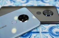 Nokia 6 2 schwarz und blau zusammen