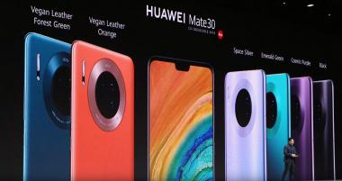 Farebné varianty série Mate 30 boli tiež predstavené na Huawei PK 19. septembra 2019 v Mníchove.  |  c) Areamobile