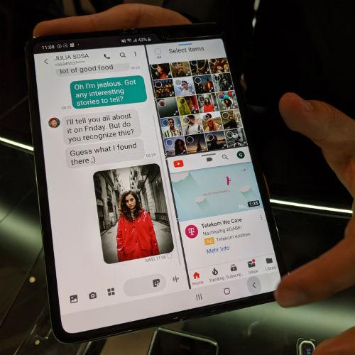 Samsung Galaxy Fold Multitask