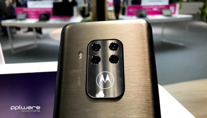 Motorola One Zoom: Das Smartphone mit vier Kameras 1