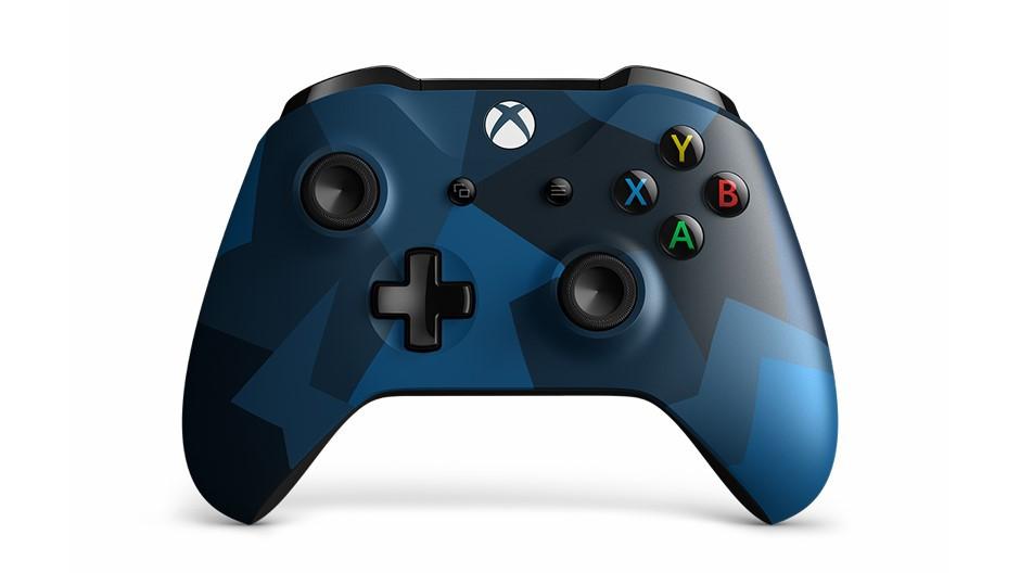 Rüste dich mit dem Xbox Wireless Controller - Midnight Forces II Special Edition für den Kampf aus 1