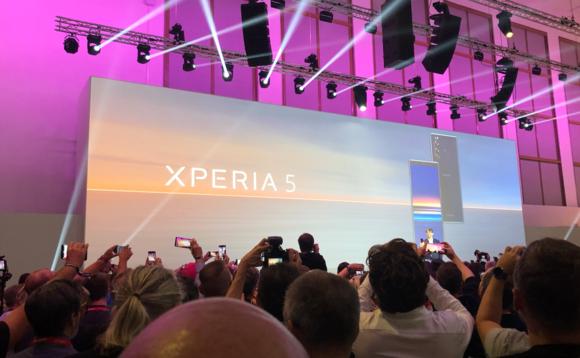 Sony Xperia 5 é um bizarro intermediário Android