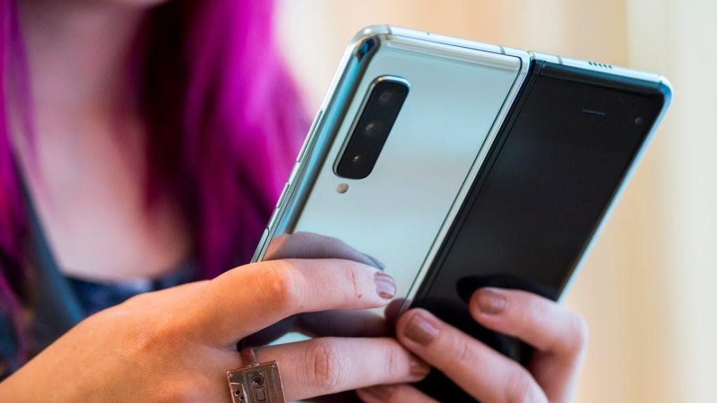 Die Galaxy Fold  Mit sechs hochauflösenden Kameras ist der Benutzer vielseitig einsetzbar