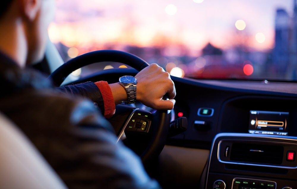 5 accesorios para tu móvil que debes tener siempre en tu coche 1
