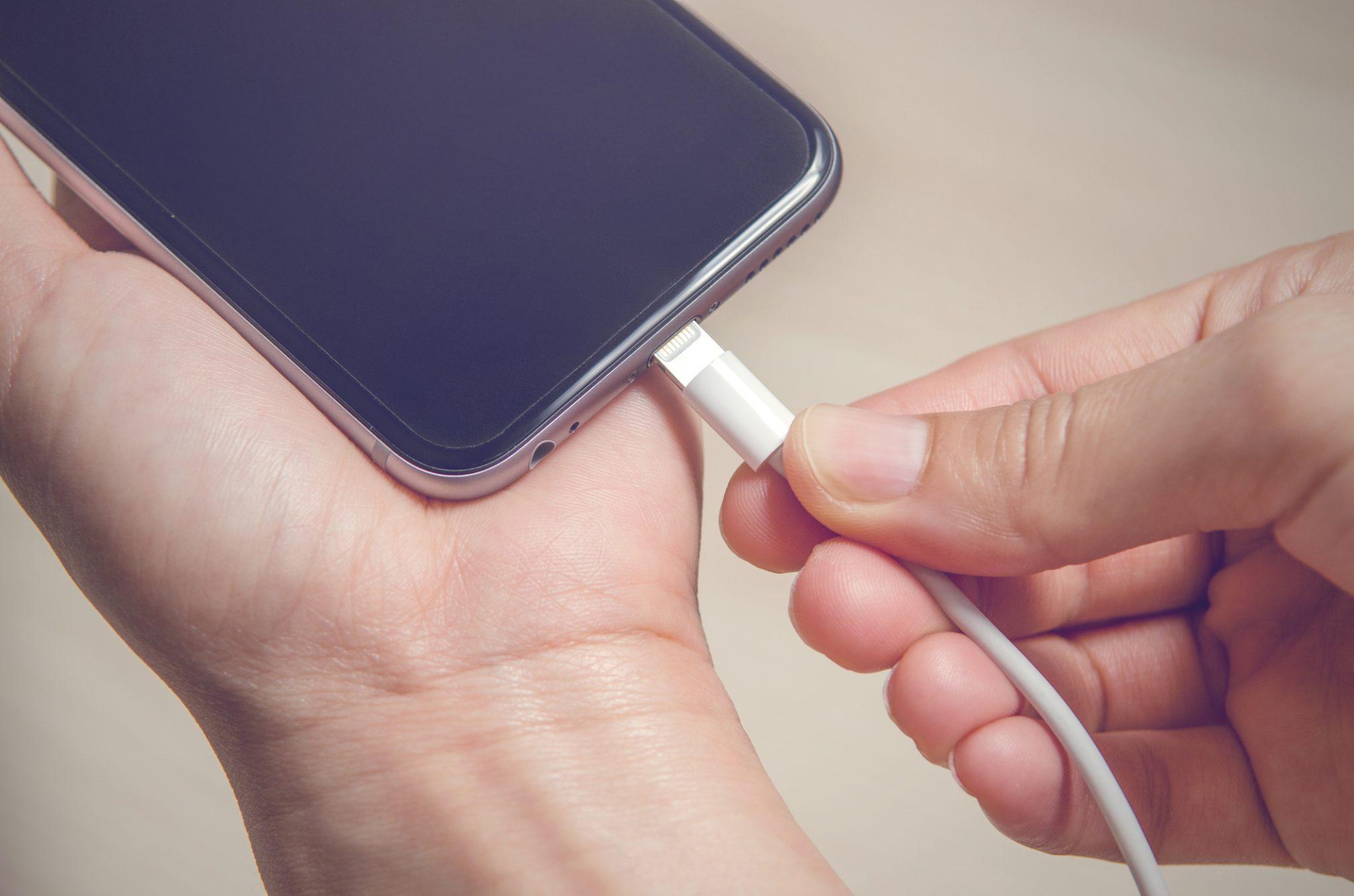 Bald smartphones Android und iPhones haben möglicherweise dasselbe Ladegerät
